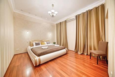 Сдается 3-комнатная квартира посуточно, улица Чехова, 11-13.