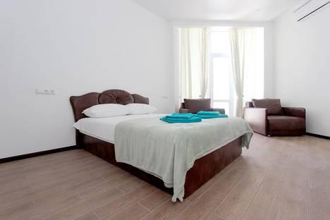 Сдается 1-комнатная квартира посуточно в Феодосии, Республика Крым,Черноморская набережная, 1Д.