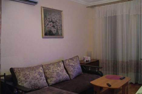 Сдается 2-комнатная квартира посуточно в Пицунде, Гагрский район,улица Агрба, 35.