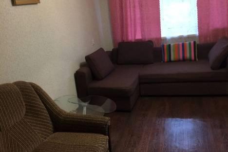 Сдается 2-комнатная квартира посуточно, улица Строителей, 15.