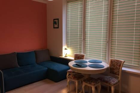 Сдается 2-комнатная квартира посуточно в Адлере, Сочи, Старообрядческая улица, 62.