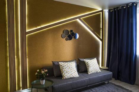 Сдается 1-комнатная квартира посуточно в Омске, Учебная улица, 20.