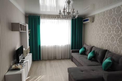 Сдается 2-комнатная квартира посуточно, проспект Манаса, 47.