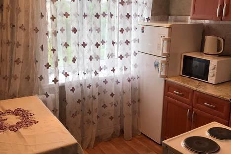 Сдается 2-комнатная квартира посуточно в Новокузнецке, улица Кирова, 37А.