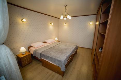 Сдается 1-комнатная квартира посуточно, Буденновский проспект, 120/1.