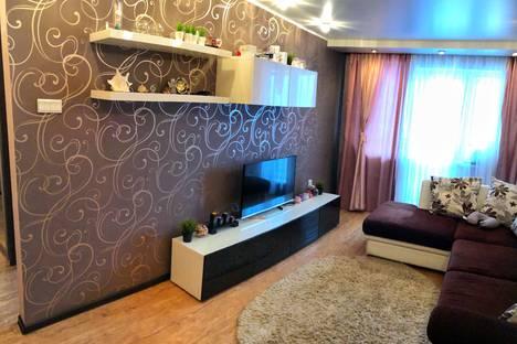 Сдается 1-комнатная квартира посуточно в Междуреченске, улица Комарова, 2.