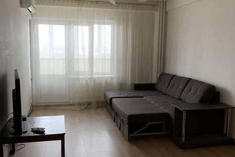 Сдается 1-комнатная квартира посуточно в Ижевске, улица Героя России Ильфата Закирова, 30.