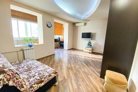 Сдается 2-комнатная квартира посуточно в Сочи, микрорайон Центральный, Навагинская улица, 12.