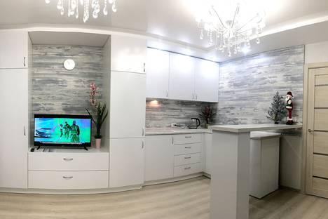 Сдается 2-комнатная квартира посуточно в Ижевске, Удмуртская Республика,улица Ленина, 88, подъезд 2.