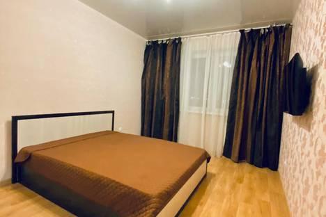 Сдается 1-комнатная квартира посуточно, Байкальская улица, 236/1, подъезд 1.