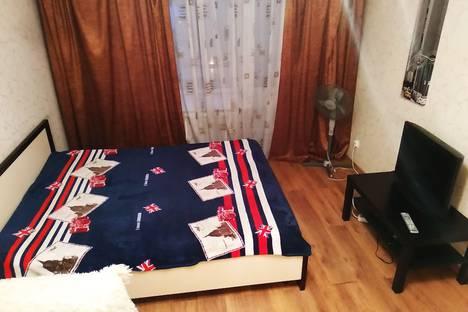 Сдается 1-комнатная квартира посуточно в Красноярске, улица Сурикова, 53.