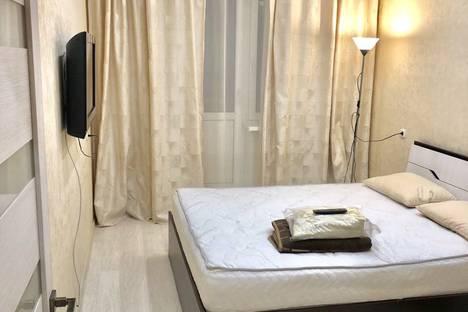 Сдается 1-комнатная квартира посуточно, улица Алексеева, 111.