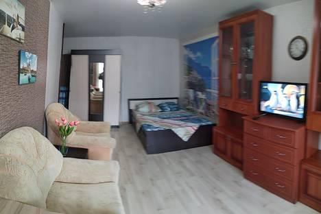 Сдается 2-комнатная квартира посуточно в Рыбинске, Ярославская область,Центральный район, Центральный микрорайон, улица Радищева, 83.