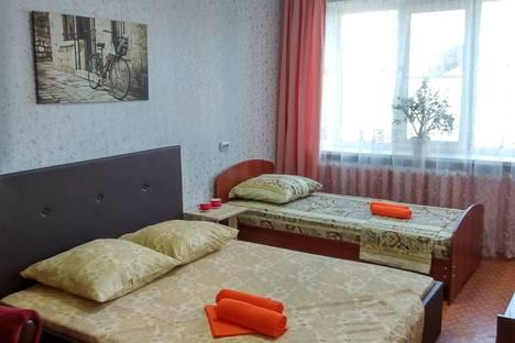 Сдается 3-комнатная квартира посуточно, Ярославская область,проспект Революции, 14.