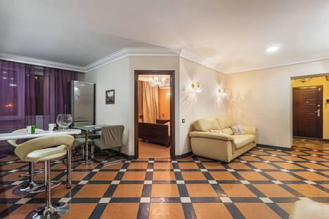 Сдается 3-комнатная квартира посуточно, улица Пушкина, 227.