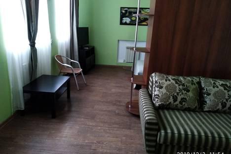 Сдается комната посуточно в Хвалынске, улица Урицкого, 36.