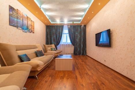 Сдается 3-комнатная квартира посуточно, улица 60 лет Октября, 86.