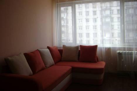 Сдается 1-комнатная квартира посуточно в Петергофе, Санкт-Петербург,ул. Генерала Симоняка д.8.