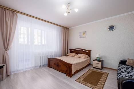 Сдается 1-комнатная квартира посуточно в Омске, улица Крупской, 23к1.