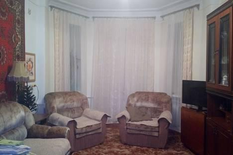 Сдается 1-комнатная квартира посуточно, улица Калинина, 7.