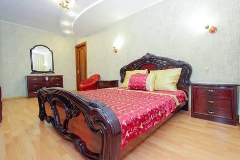 Сдается 3-комнатная квартира посуточно, Республика Крым,улица Чкалова, 66.
