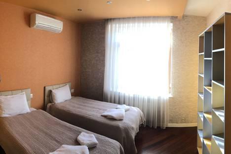 Сдается 3-комнатная квартира посуточно в Баку, Baku, Zaxid Xеlilov Street.