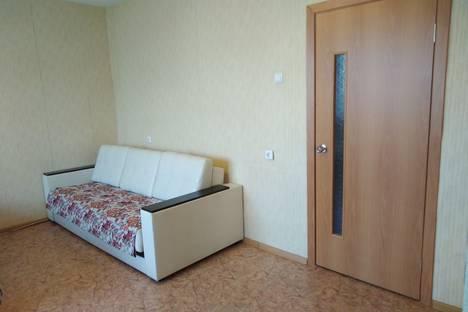 Сдается 1-комнатная квартира посуточно в Челябинске, Набережная улица, 7В.