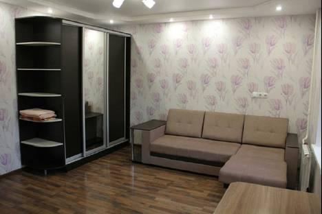 Сдается 2-комнатная квартира посуточно, Щетинкина 38.