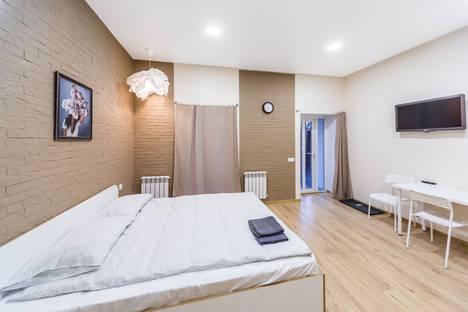 Сдается 1-комнатная квартира посуточно, улица Кутякова, 16.