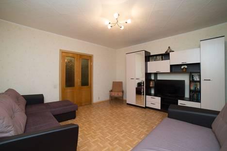 Сдается 3-комнатная квартира посуточно, Комсомольский проспект, 69А.