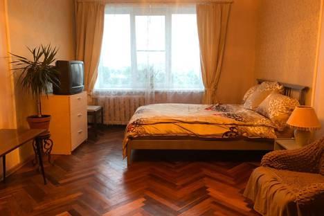 Сдается 1-комнатная квартира посуточно в Санкт-Петербурге, проспект Тореза, 24.