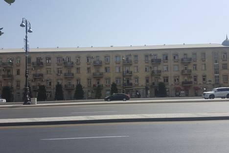Сдается 1-комнатная квартира посуточно в Баку, Исмаил Хидаятзаде 51а.
