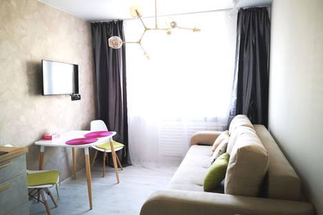 Сдается 2-комнатная квартира посуточно во Владивостоке, Ладыгина 11.