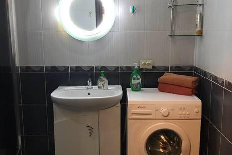 Сдается 1-комнатная квартира посуточно в Южно-Сахалинске, Сахалинская область,Тихоокеанская улица, 20А.