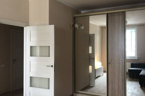 Сдается 1-комнатная квартира посуточно, Уральская улица, 6.