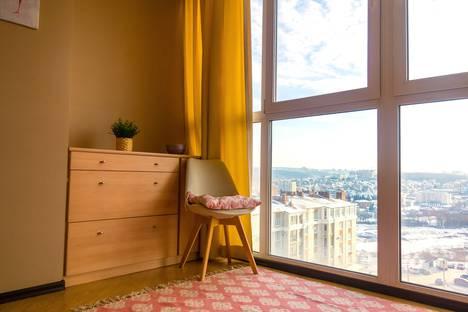 Сдается 2-комнатная квартира посуточно в Чебоксарах, улица Академика А.Н. Крылова, 5.