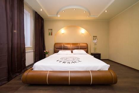 Сдается 3-комнатная квартира посуточно, улица Братьев Кашириных, 85А.