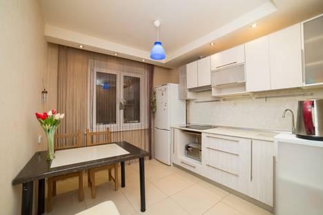 Сдается 2-комнатная квартира посуточно, улица 40-летия Победы, 39.