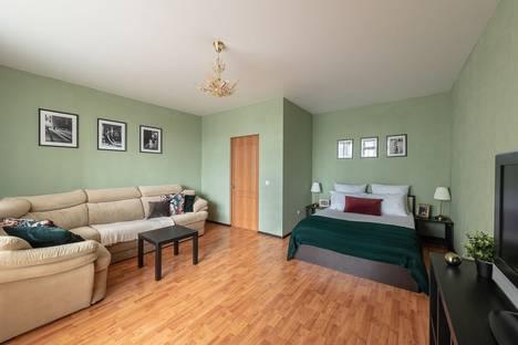Сдается 1-комнатная квартира посуточно в Екатеринбурге, Свердловская область,улица Радищева, 61.