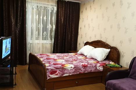 Сдается 1-комнатная квартира посуточно в Мурманске, Ледокольный проезд, 9, подъезд 1.