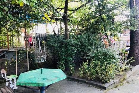 Сдается коттедж посуточно в Кобулети, ул. Агмашенебели 160.