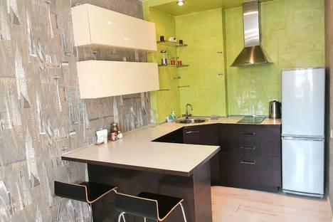 Сдается 1-комнатная квартира посуточно в Новосибирске, Выборная улица, 89/4.