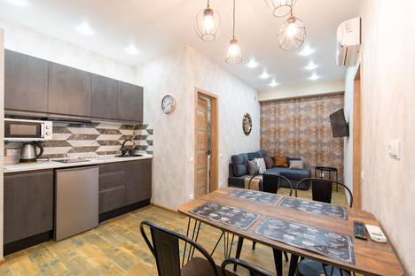 Сдается 3-комнатная квартира посуточно в Красной Поляне, Краснодарский край, городской округ Сочи, село Эстосадок, Эстонская улица, 37к9.