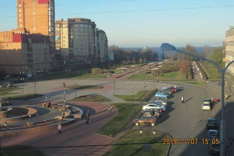Сдается 1-комнатная квартира посуточно в Ломоносове, Александровская улица, 27.