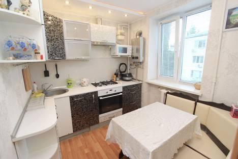 Сдается 2-комнатная квартира посуточно в Феодосии, бульвар Старшинова 4.