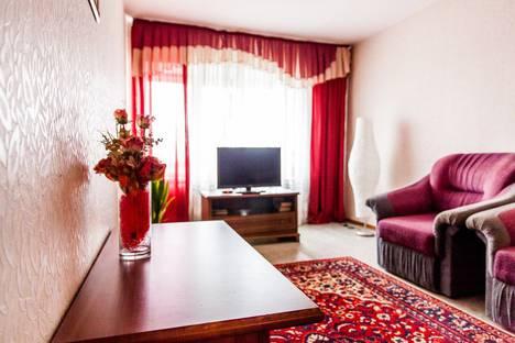 Сдается 2-комнатная квартира посуточно, улица Гончарова, 22.