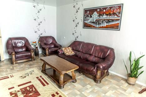 Сдается 2-комнатная квартира посуточно в Ульяновске, улица Кролюницкого , район УВАУГА.