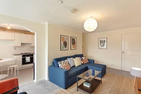 Сдается 2-комнатная квартира посуточно в Севастополе, Большая Морская улица, 35.