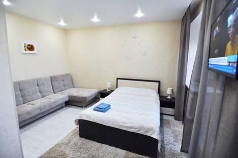 Сдается 1-комнатная квартира посуточно в Тюмени, улица Мельникайте, 142А.
