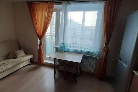 Сдается 1-комнатная квартира посуточно в Челябинске, микрорайон Парковый-2, улица Петра Сумина, 2.